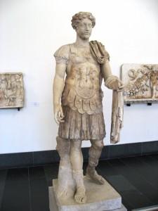 Pergamonmuseum_-_Antikensammlung_-_Statue_38